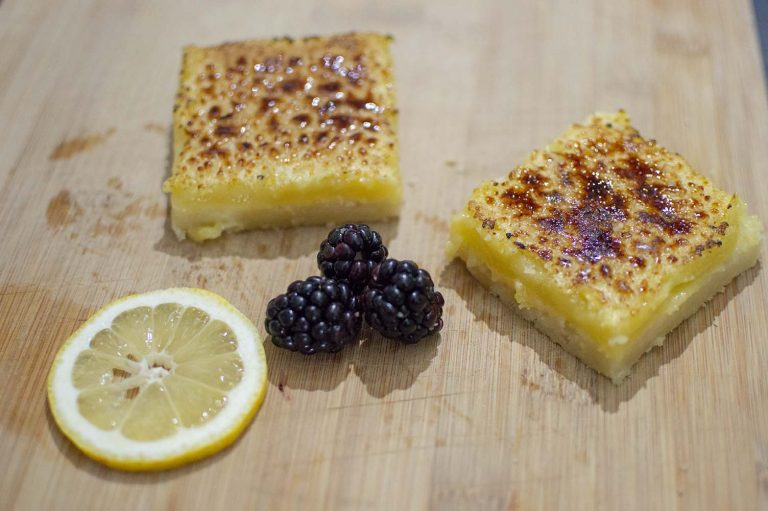 Bruleed lemons bars dished up and ready to serve